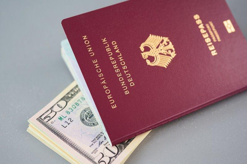 dokumente-und-geld